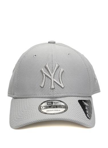 New Era New Era New York Yankees  Nakışlı Erkek Şapka 101523249 Gri